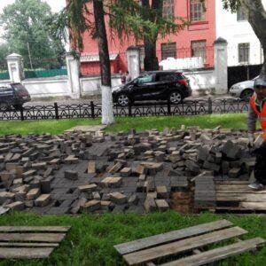 Демонтаж тротуарной плитки